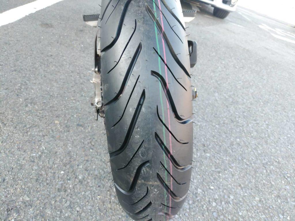 バイクの新品タイヤ