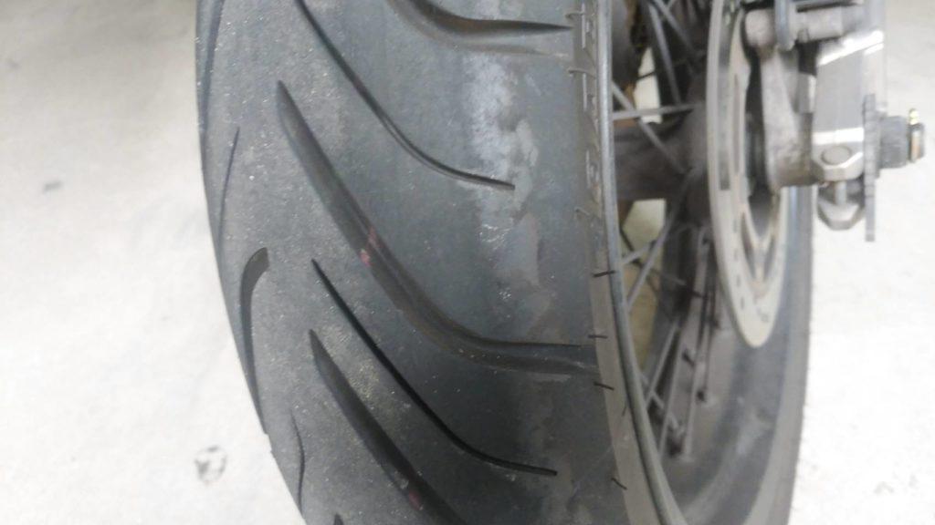 バイクタイヤの皮むき方法
