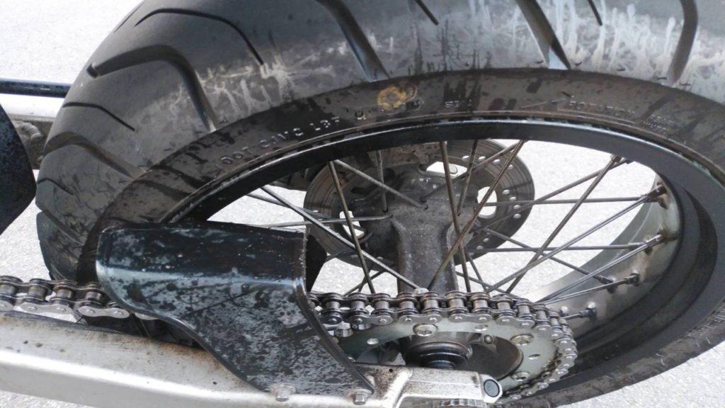 バイクのチェーンメンテナンス